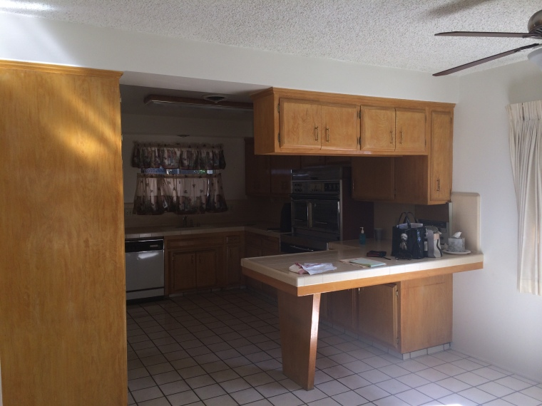 Before picture of HGTV kitchen remodel